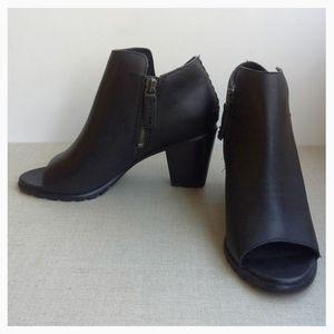 Sorel Women US 9 Nadia Leather Side Zip Booties